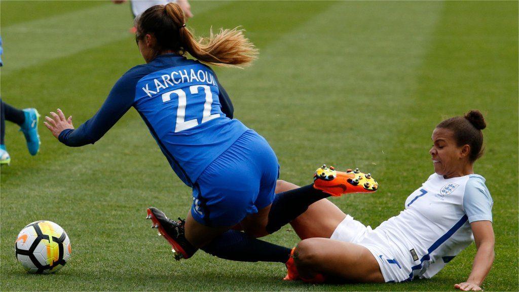 """زمانی که""""ما"""" در فوتبال قد می کشد، زمانی است که """"زنان"""" هم در فوتبال دیده می شوند."""