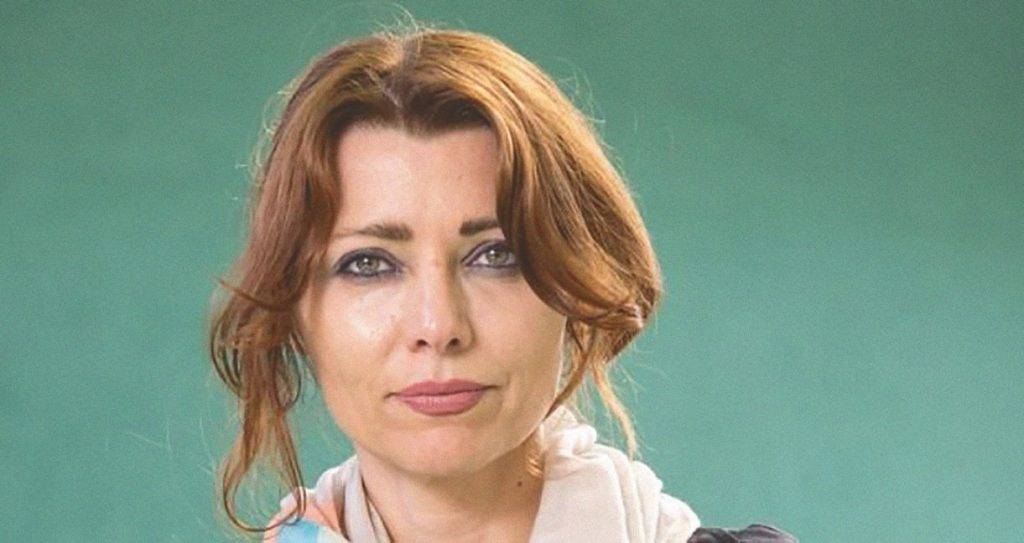 با الیف شافاک، پرفروشترین رماننویس تاریخ ترکیه
