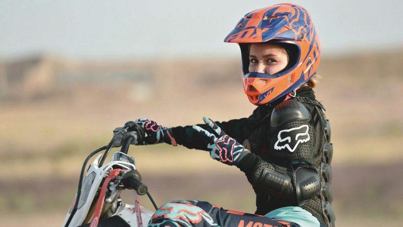گفتوگو با بهناز شفیعی، قهرمان موتورسواری